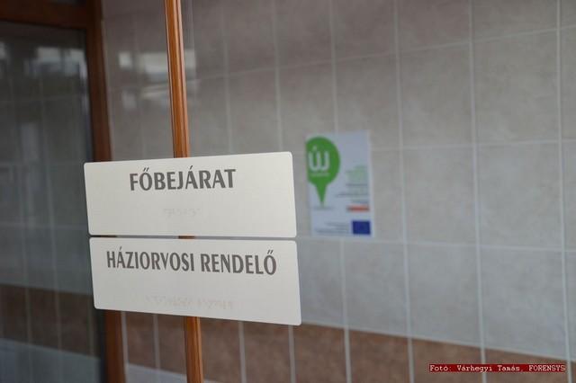 egeszseghaz_atadas_penyige_20111130_007.jpg